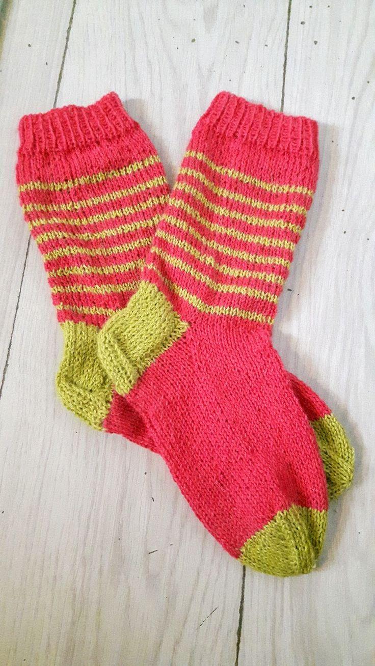 Raidalliset villasukat - Striped, knitted socks