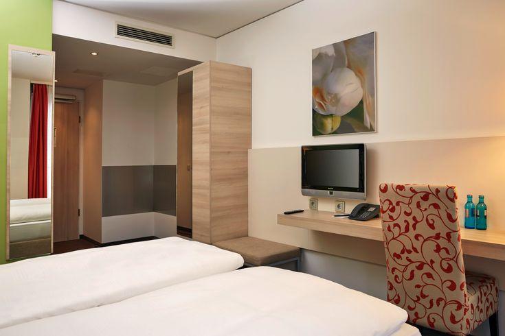 Hotelzimmer der Kategorie - Komfort -  | H+ Hotel München