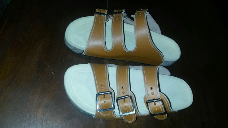 Leather 3 buckle sandal