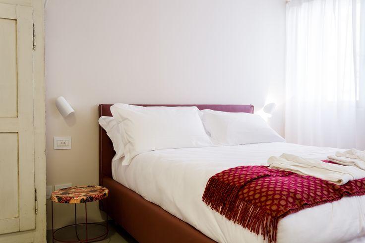 Venissa Wine Resort, referenza Vimar a Venezia. Camera letto con la serie civile Eikon Evo bianca. Applicazione hotel - referenza http://www.vimar.com/it/it/venissa-wine-resort-venezia-12532172.html