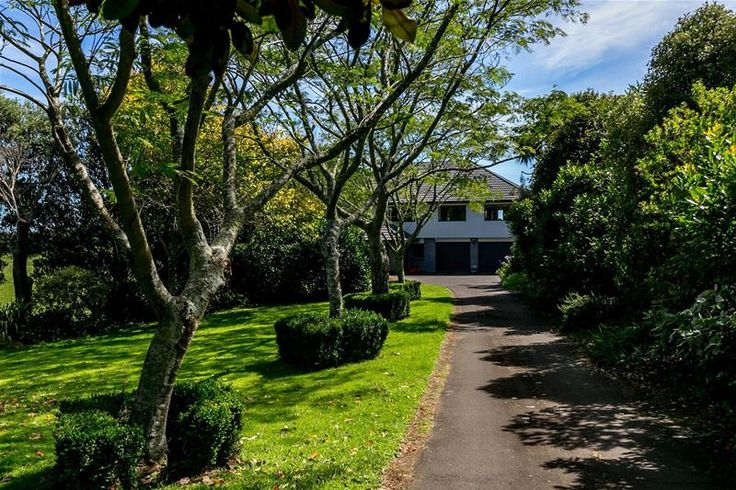 House | 7 Byron Place, Whalers Gate NZ 4310 | Buyer Enquiry Over $939,000 A sweeping drive welcomes you to an impressive 400m2 solid house, set on a rural zoned property of 1.039ha. This multi leve…