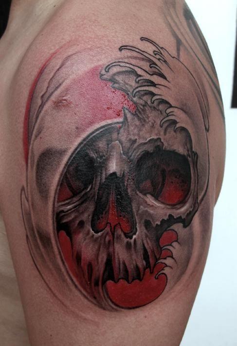 Elvin Yong: Skull tattoo
