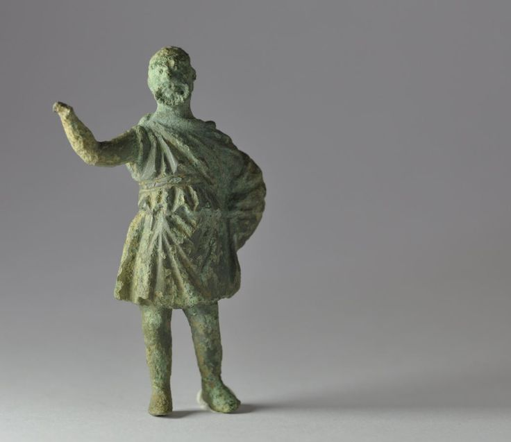 Greek comedy, Greek theater actor with comic mask, 3rd century B.C. Greek hellenistic bronze statuette of theater actor, 7.3 cm high. Private collection