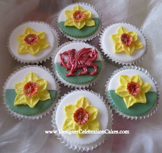 Welsh Dragon Daffidols and Welsh Dragon Cupcakes - Designer Celebration Cakes ...