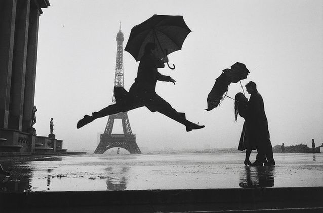 Elliott Erwitt | Paris (1989) | Available for Sale | Artsy