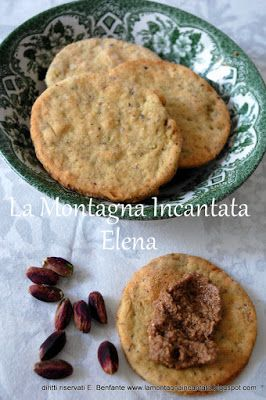 La Montagna Incantata: Biscotti al parmigiano e pistacchio per un divertente scambio di ricette