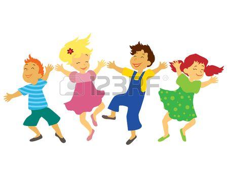 Los ni os con caras sonrientes est n jugando saltando y bailando  Foto de archivo