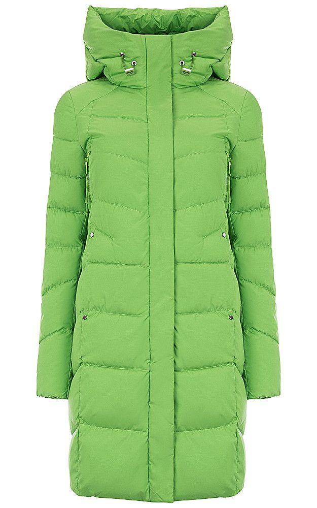 Стеганое пальто прямого силуэта, утепленное биопухом, с мягким воротником-стойкой, уютным капюшоном, боковыми карманами и застежкой на скрытую молнию. Яркая основа для создания множества модных образов и базового осенне-зимнего гардероба. Сочетайте его не только с джинсами и брюками, но и с платьями и юбками разного кроя