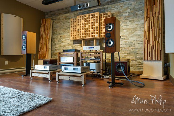Enceintes acoustique Genesis 7.2c associées à deux amplificateurs BC Acoustique EX522 chez Pro Design Audio et inovaudio, manufacturiers canadiens de panneaux acoustiques.