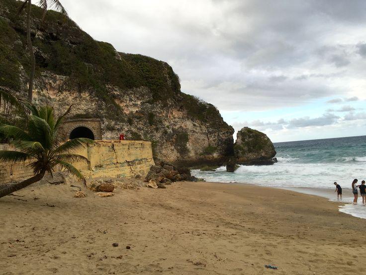 Tunel y Playa Guajataca Isabela