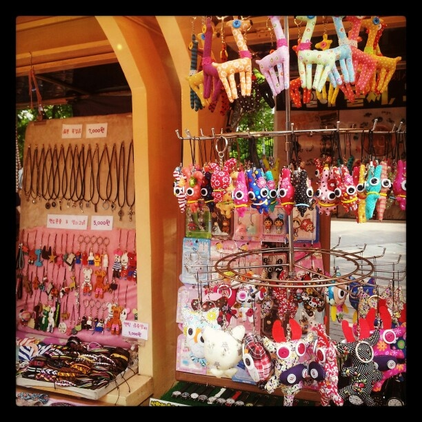 Hongdae ~~ I could bust a hole in my pocket shopping in Hongdae. These items are so cute!♥