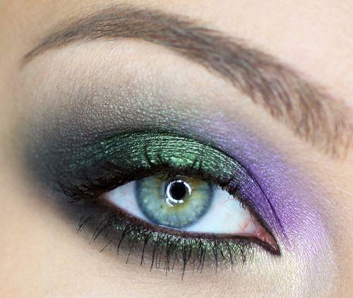 TumblrHorse Fall, Makeup Geek, Makeupgeek, Fall 2012, Blue Eye Makeup, Fall Makeup, Eyemakeup, Roberto Cavalli, Green Eye
