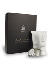 Give the gift of poreless, flawless skin this Christmas!  The ultimate ritual for resurfacing, refining, and rebalancing the skin. This limited edition collection combines invigorating Micro Cleanse Super Scrub, aromatic Balancing and Pore Refining Mask and Luxe Soy Candle blessed with notes of lime, coconut and elderflower.
