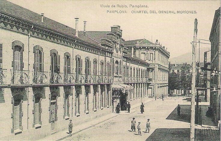 CALLE  YANGUAS  Y  MIRANDA- En la plaza de Baluarte, enfrente del corte inglés-AL  FONDO  PASEO  SARASATE-
