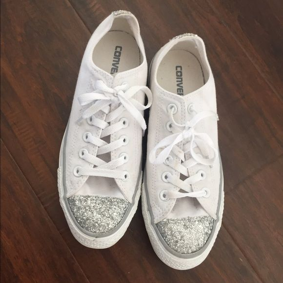 Sparkle converse sneakers Gorgeous and rare sparkly converse! Worn one time. In very good condition. Perfect sneakers to make a casual outfit special. Size 6 (approximately an 8 in women's). Converse Shoes Sneakers