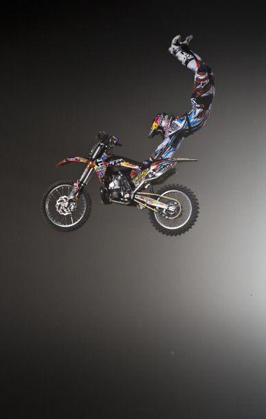 Acrobacia en moto.