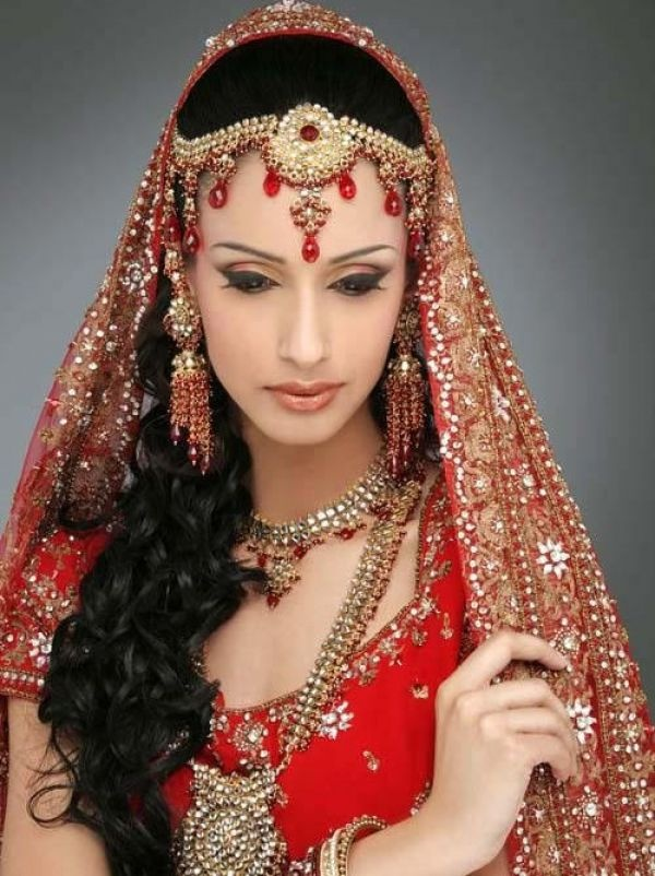 indian wedding hairstyle gallery%0A     Most Beautiful Indian Bridal Makeup Looks  Dulhan Images
