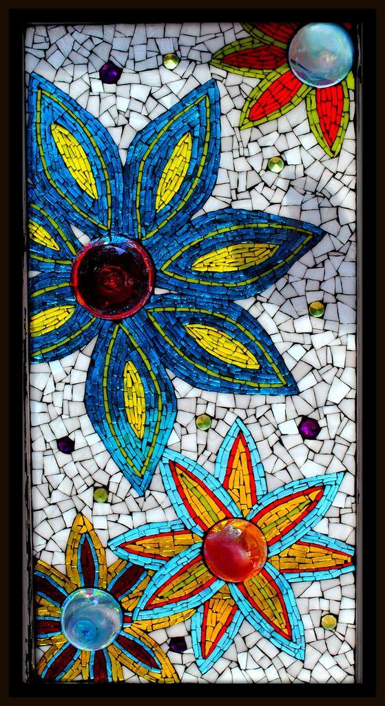 Gorgeous color and technique in this Rachel Jones piece: Mosaic Bubble Flowers via Flickr
