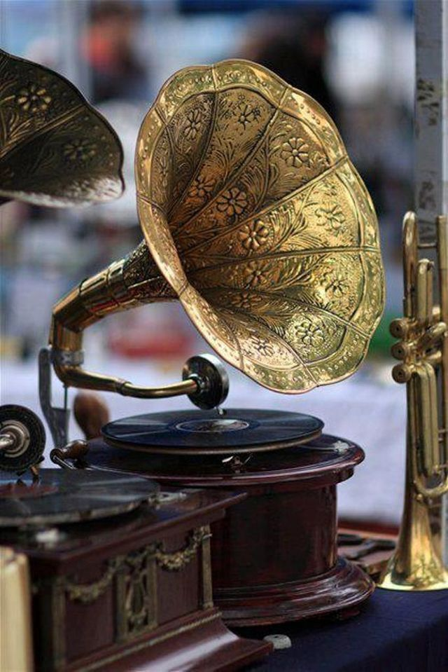 Beautiful brass old phonograph…
