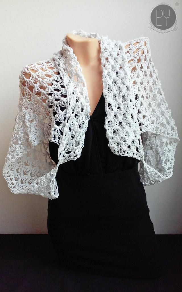 Made with ❤️ White Cocoon/Cardigan | Chaleco Blanco  http://byduli.com/products/white-cocoon-cardigan-chaleco-blanco?utm_campaign=crowdfire&utm_content=crowdfire&utm_medium=social&utm_source=pinterest