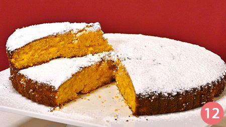 La torta Camilla alle carote è una versione casalinga della famosa merendina, amata da molti per la sua morbidezza e il suo sapore intenso abbinatoal gusto delle mandorle e dell'arancia. Questa torta è molto gustosa, ricca di vitamine e minerali, grazie alla presenza delle carote e delle mandorle che caricano di energia l