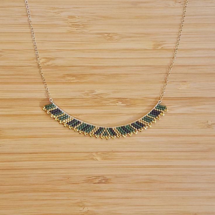 Collier Luna Vert Foncé Plaqué Or et Perles de Verre Miyuki Cousues Main