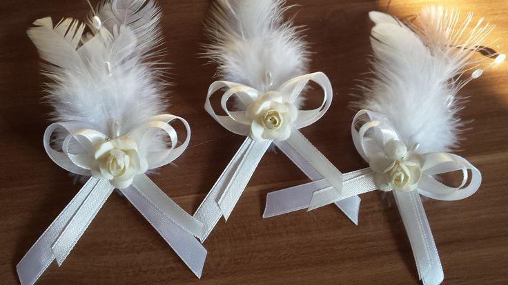Svadobné pierko netradičné smotanové s bielym perím