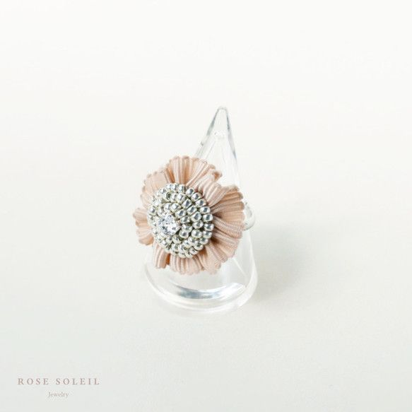 ✧ Sweet Ribbon Ring ✧ Blossom Wind Collection - Rose Soleil Jewelry のスワロフスキークリスタルとリボンリング