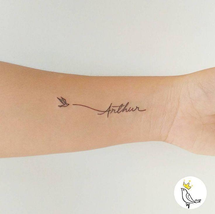 Un tatouage prénom minimaliste