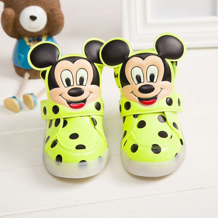 Hot SALE Children Shoes With Light Popular in Europe Boys Shoes Autumn Winter Girls Cartoon Sneakers Kids Led Sport Shoes