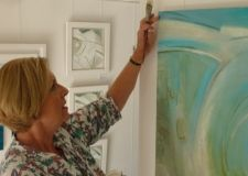 Lymington artist Shelia Hope captures the imagination of art expert Sandra Smith