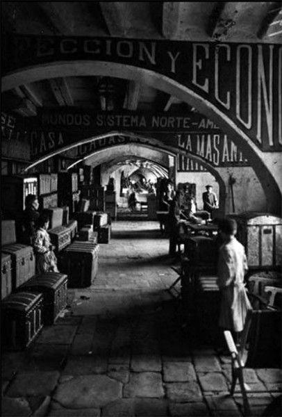 Els Encants Vells de Barcelona en su ubicación original (el actual carrer Consolat del Mar, en el barrio de la Ribera).