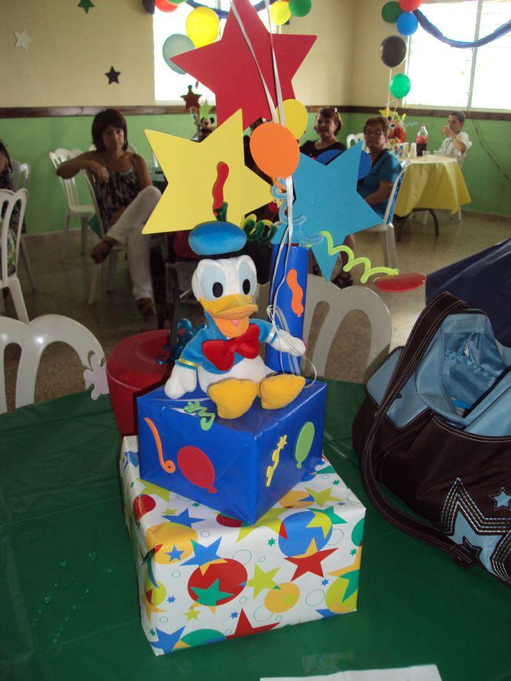 Centros de mesa de la casa de mickey mouse buscar con - Casa para fiesta ...