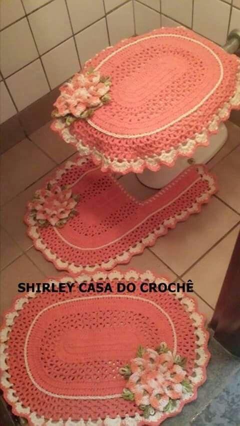 Crocheted bathroom set crochet for home bathroom for Tapetes de crochet