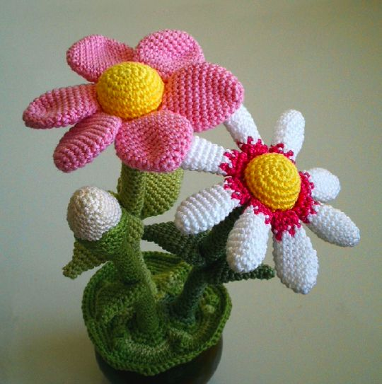Amigurumi Flower Pot : Flower Pot amigurumi crochet pattern Amigurumi Pinterest