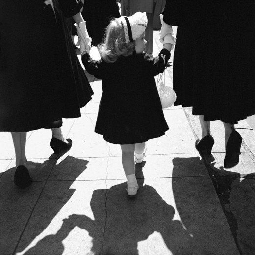 vintage everyday: Black & White Photographs of Street Scenes of New York in the 1950s by Vivian Maier