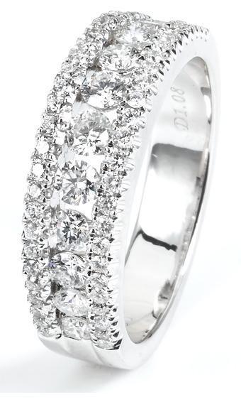 1.03 ctw 18k White Gold Round Brilliant Diamond Wedding Band