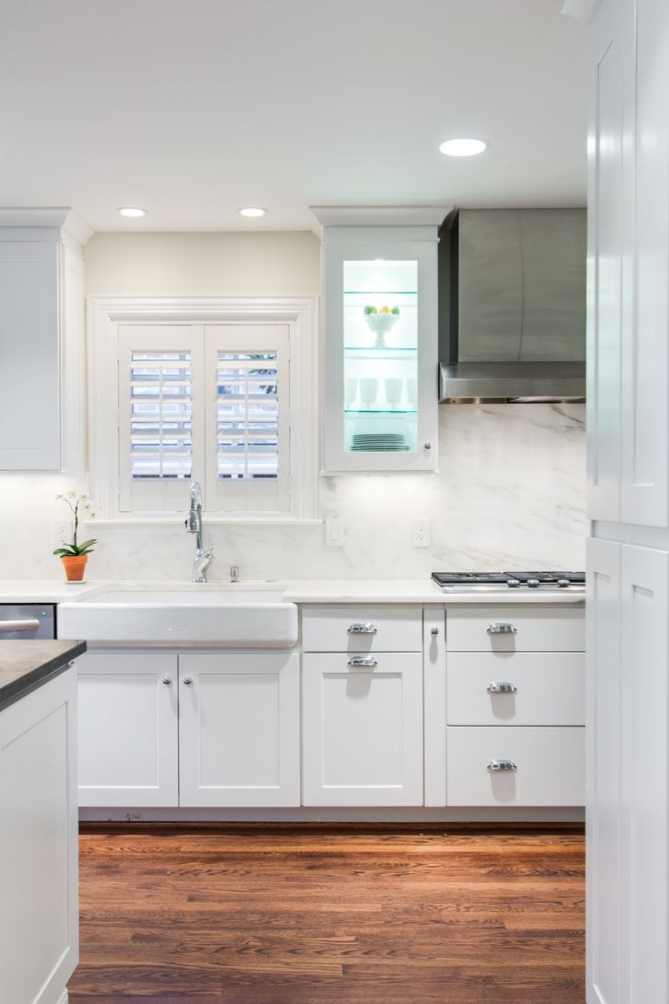 york white kitchen cabinets this modern kitchen features wolf dartmouth cabinets in 29528