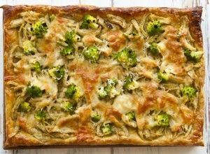 Torta de massa folhada com Frango, Brócolis e Pesto - Dedo de Moça