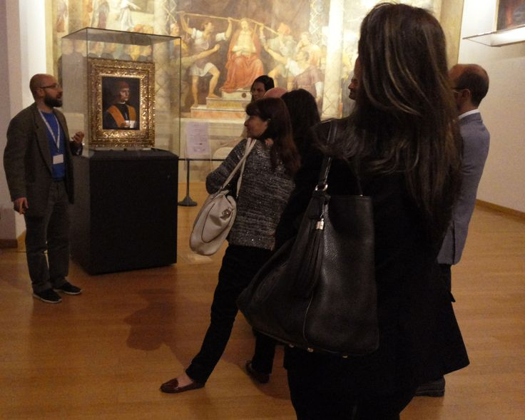 Private opening of the Pinacoteca Ambrosiana in Milano. Admire masterpieces of Da Vinci, Raphael, Caravaggio and the Atlantic Codex with our art experts selected for you.