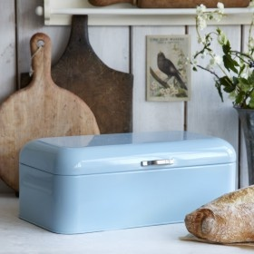 Bread storage from Isabella Smith.
