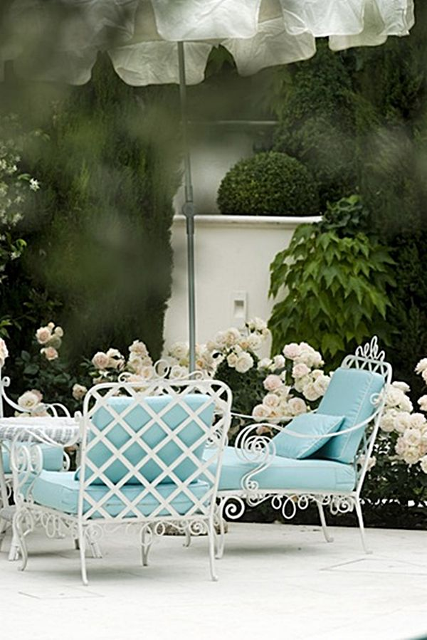 Beautiful aqua and white patio in Italy