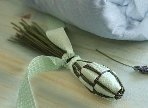 Fuseau de Lavande pour parfumer les armoires sur le site www.espritcabane.com