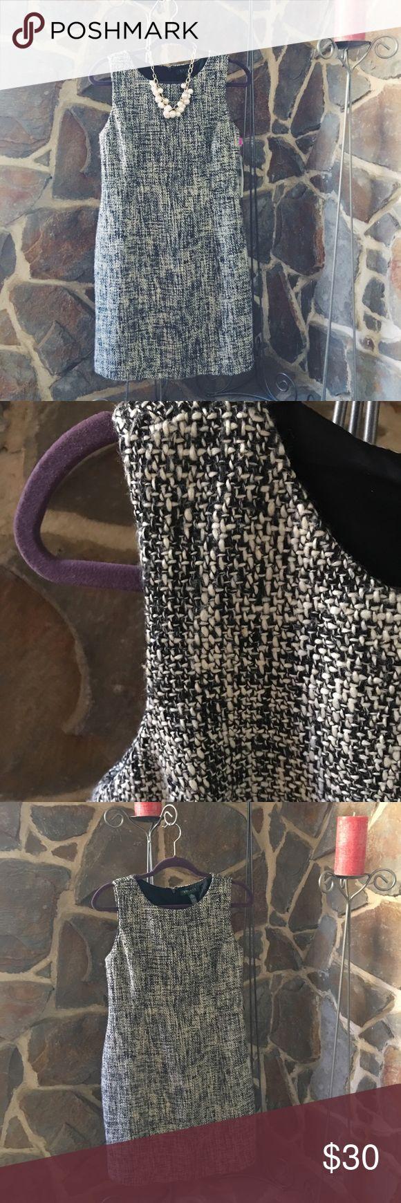 Lauren Ralph Lauren Dress 👗 Never worn! Perfect for the office or dinner date 😊 Lauren Ralph Lauren Dresses Midi