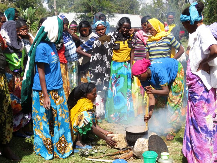 The women in Gudina Muleta gave a demonstration of the nutritious porridge that they have learned to prepare through their involvement in CARE's project.