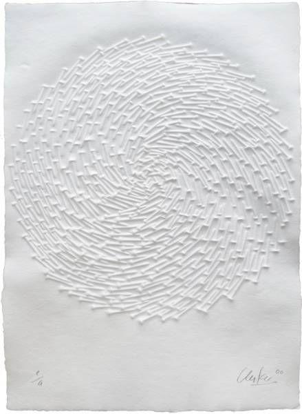 Günther Uecker, o.T., 2000, Prägedruck, Exemplar e.a., bezeichnet, signiert, datiert, 70 x 50 cm. Foto: Hanns-Georg Jost