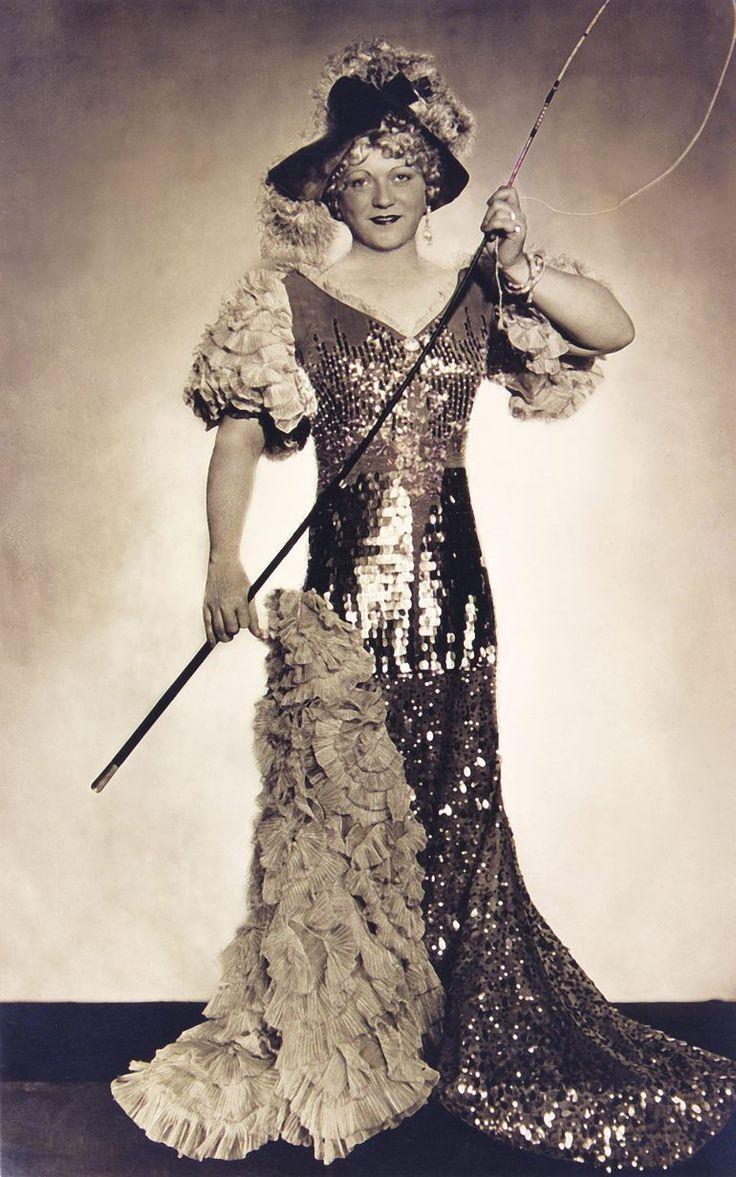 Gombaszögi Ella mint Arabella Eisemann Mihály - Komjáti Károly A cirkusz csillaga című zenés játékában