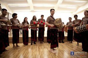 #Fotos vom #international #folk #music #concert im Ira-Malaniuk-Saal der #Kunstuniversität #Graz am 28. September 2013. Das #Konzert in der #Grazer #Universität für #Musik und #darstellende #Kunst - kurz Kunstuniversität (#KUG) begeisterte mit Musik aus der #Steiermark, #Mexiko und #Bali.