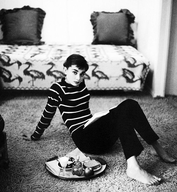 Audrey Hepburn, photographed by Mark Shaw, 1953  source: http://vintagegal.tumblr.com/post/55188191063/audrey-hepburn-photographed-by-mark-shaw-1953