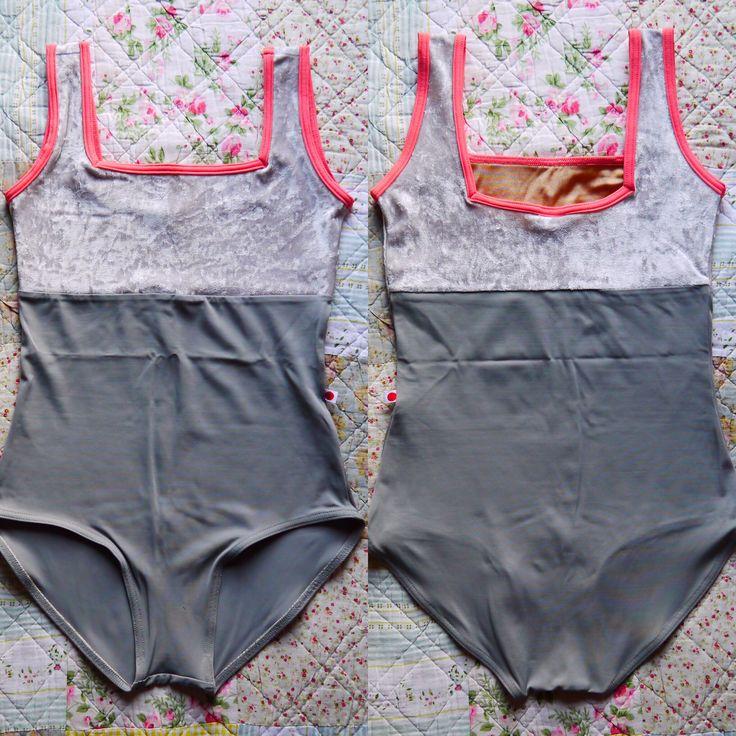Marieke / Body : t-putty Top : v-silver Trim : t-peach #yumiko